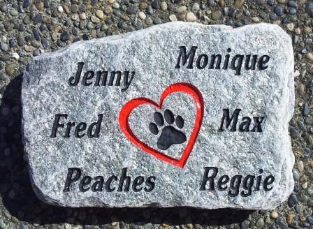Pet memory stone remembering 6 pets