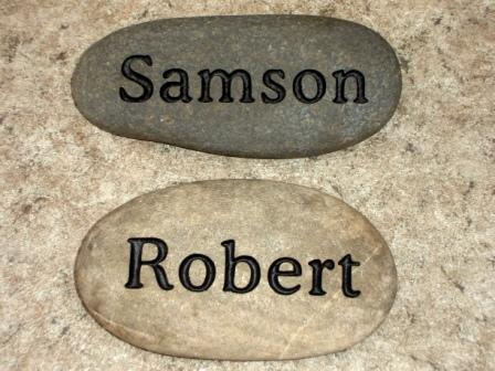 Simple name memory stones